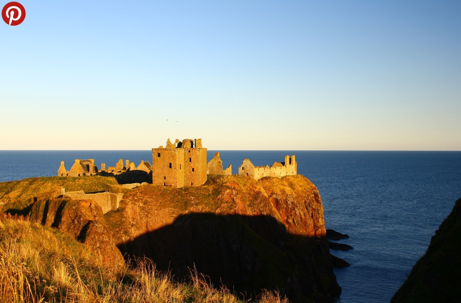 Dunnottar sunset pint